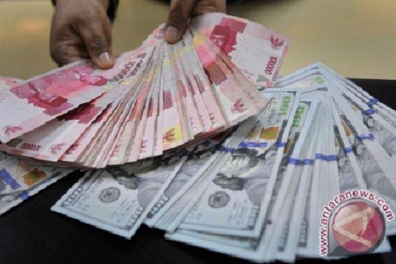 Rupiah masih bertahan di bawah Rp14.000