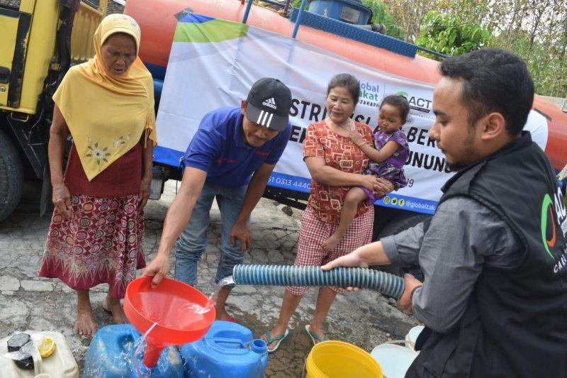 Warga Desa Jurangjero sambut gembira bantuan air bersih ACT