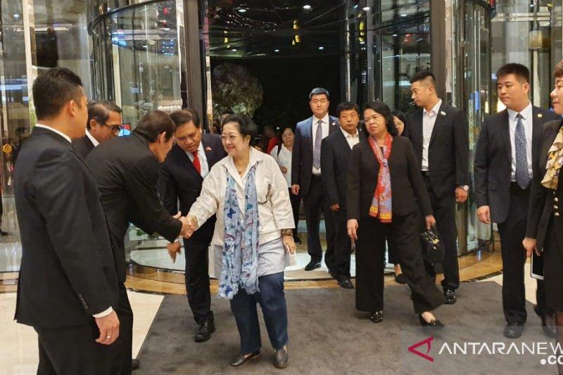 Megawati kunjungan kerja ke China