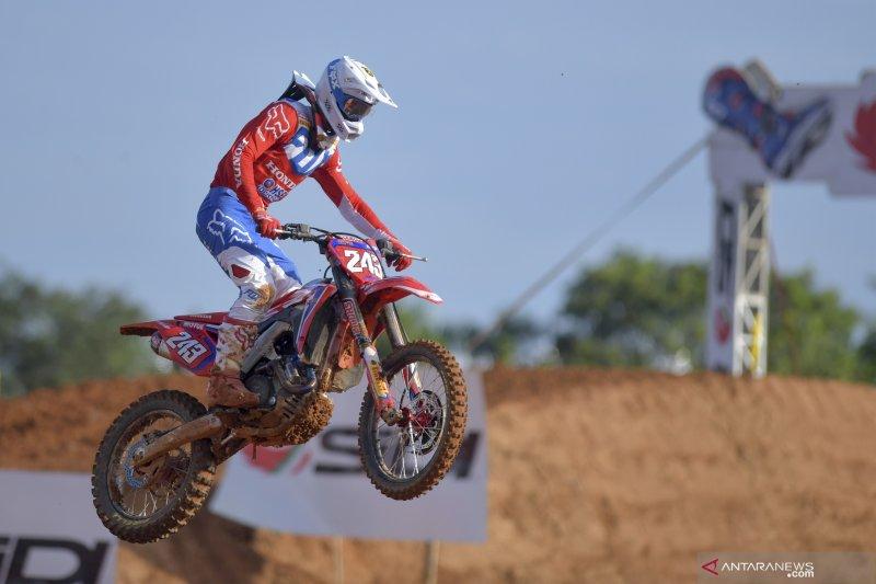 Pembalap Honda Tim Gajser pimpin kualifikasi balapan MXGP