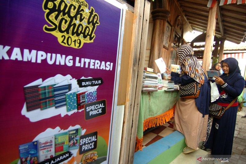Festival buku di kampung literasi