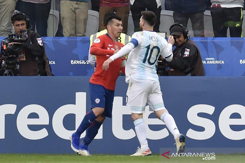 Timnas Argentina duduki posisi ketiga meski Messi dikartu merah
