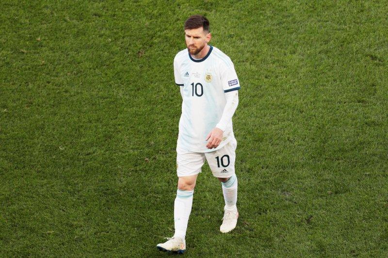 Messi didenda dan dilarang main satu laga Copa America