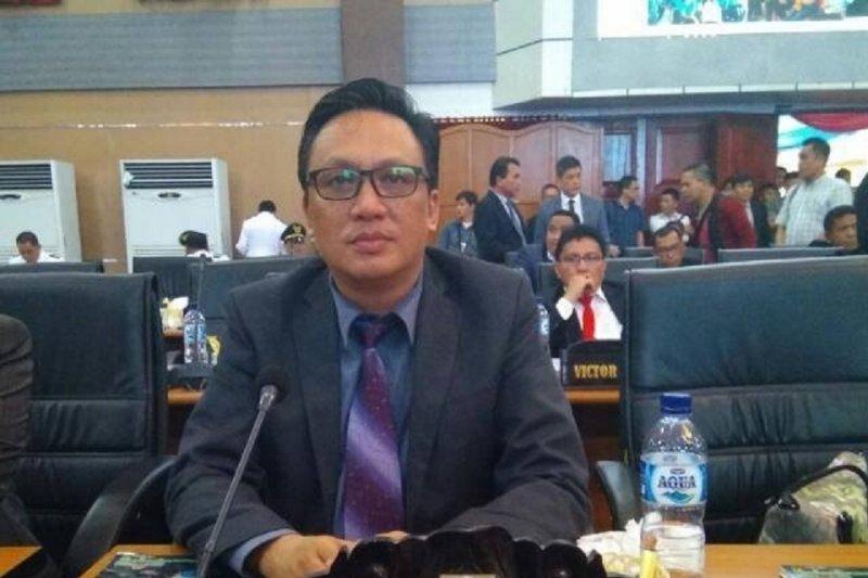 DPRD Manado Minta Dinas Pendidikan Fleksibel Dengan Sistem Zonasi