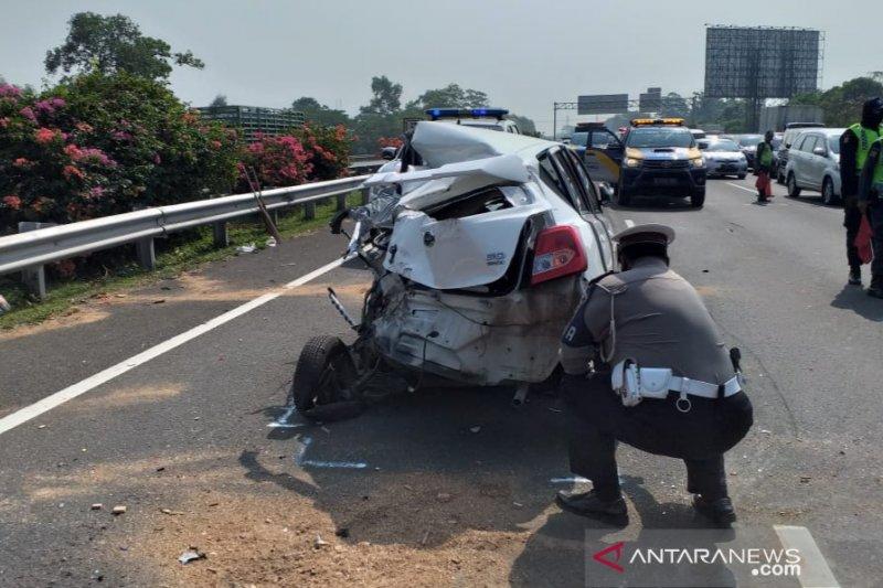 Tabrakan beruntun di Tol Jakarta-Bogor, satu meninggal dunia