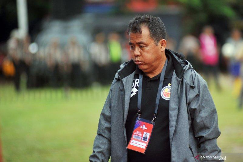 Pelatih Kepala Semen Padang FC Syafrianto Rusli mundur