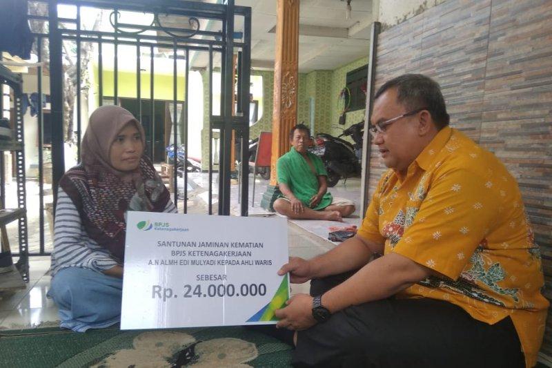 BPJS-TK Cikokol berikan santunan jaminan kematian bagi buruh Rp24 Juta