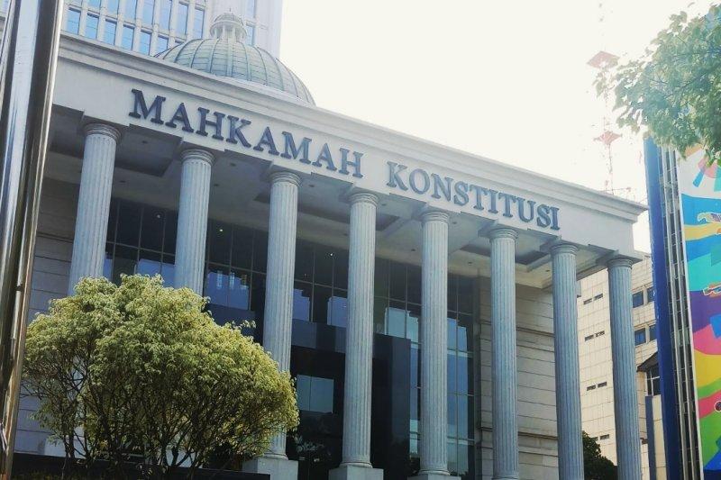 Sidang MK: Caleg Gerindra gugat rekan satu partai dan KPU