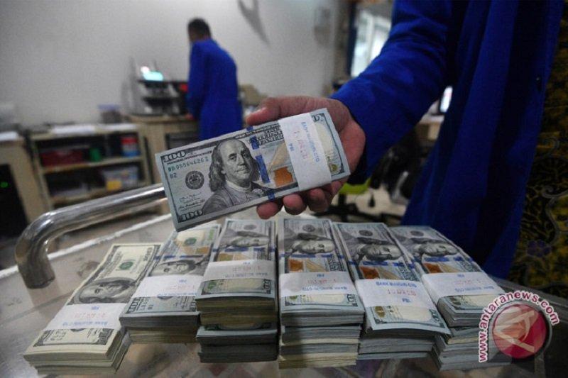 Kurs dolar AS menguat karena data ekonomi yang kuat