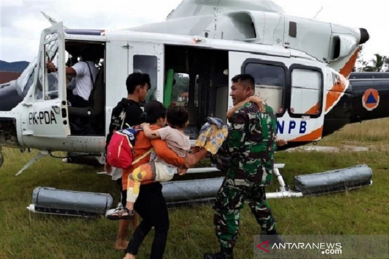 TNI bantu pulihkan daerah terdampak banjir di Konawe Utara