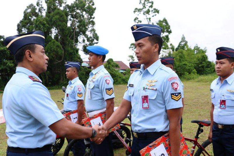 Pangkoopsau III: Prajurit harus menjadi teladan di masyarakat