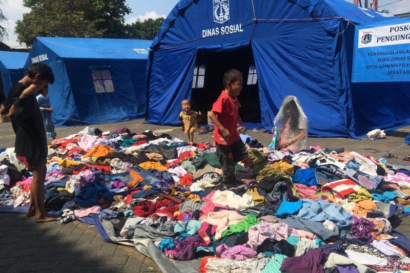 Pengungsi korban kebakaran Tebet butuh bantuan seragam sekolah