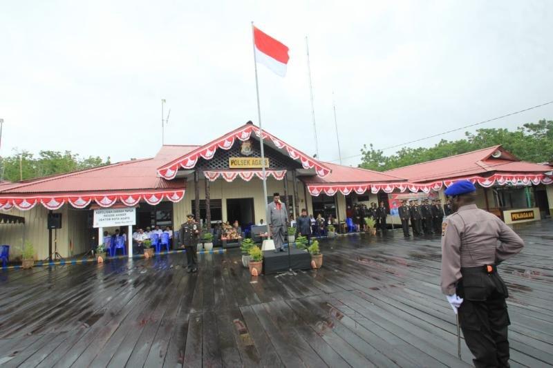 Bupati Asmat pimpin upacara HUT Bhayangkara di Agats