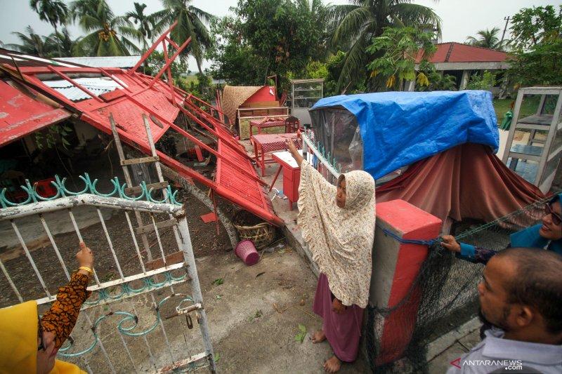 Angin puting beliung di Aceh