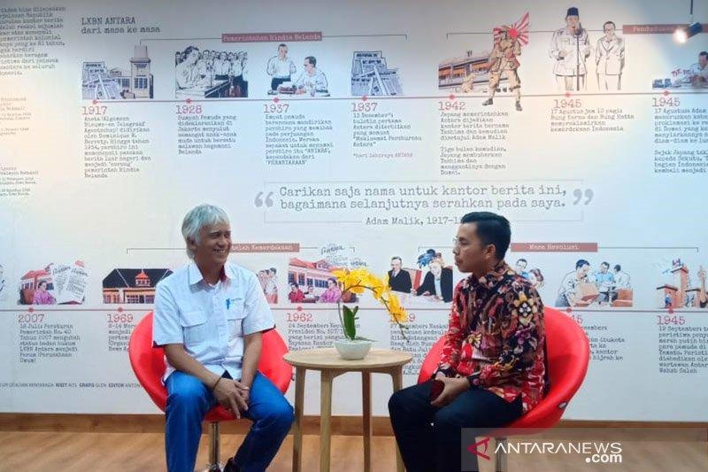 Andi Wijaya berbincang-bincang dengan Redpel II LKBN ANTARA
