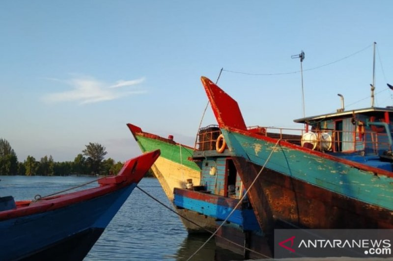 DKP Babel tangkap empat kapal nelayan gunakan trawl