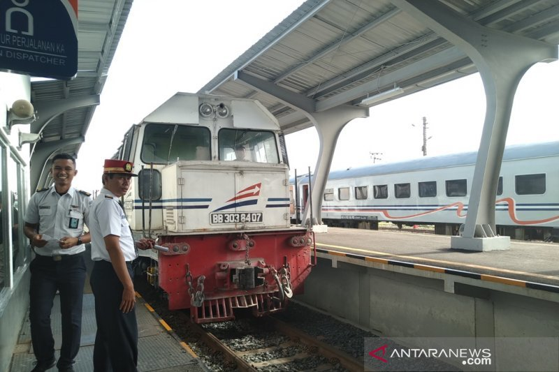 """The oldest railroad in West Sumatra is """"resurrected"""" from the """"grave"""""""