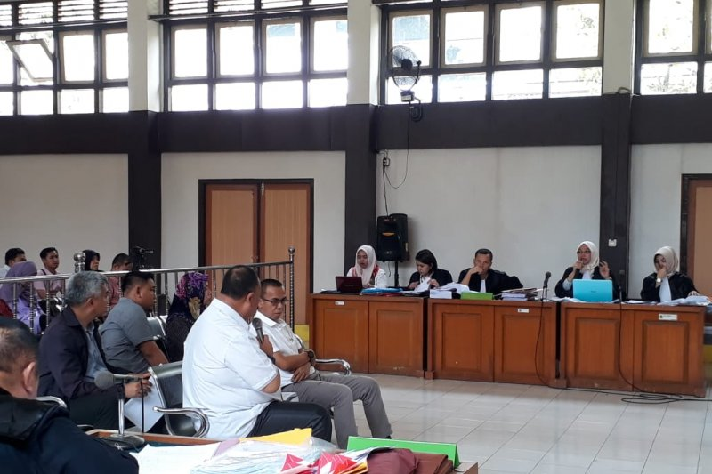 Jaksa tuntut komisioner KPU Palembang enam bulan penjara