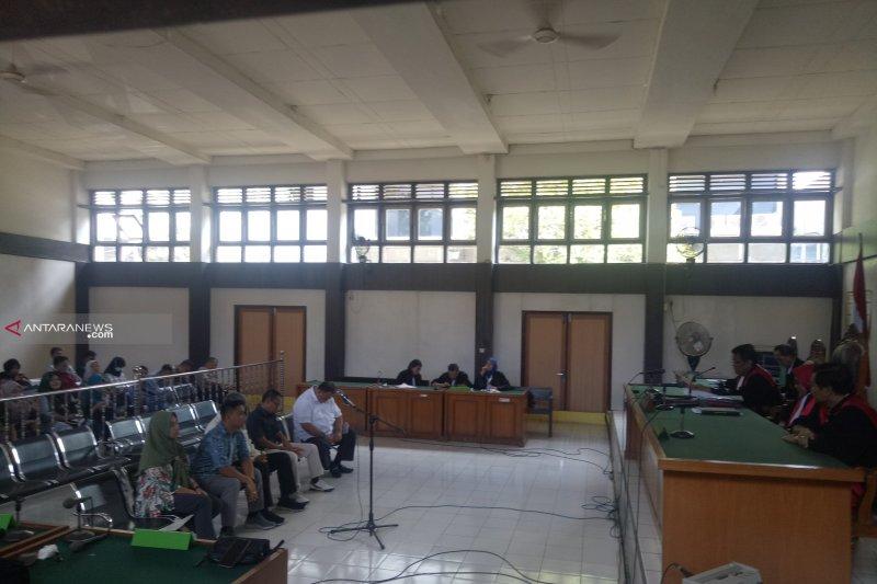 Lima komisioner KPU Palembang divonis enam bulan penjara