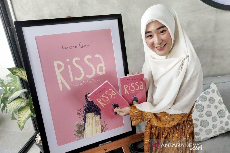 """Larissa Chou  tuangkan kisah hidup dalam buku """"Sebuah Pilihan Hidup"""""""