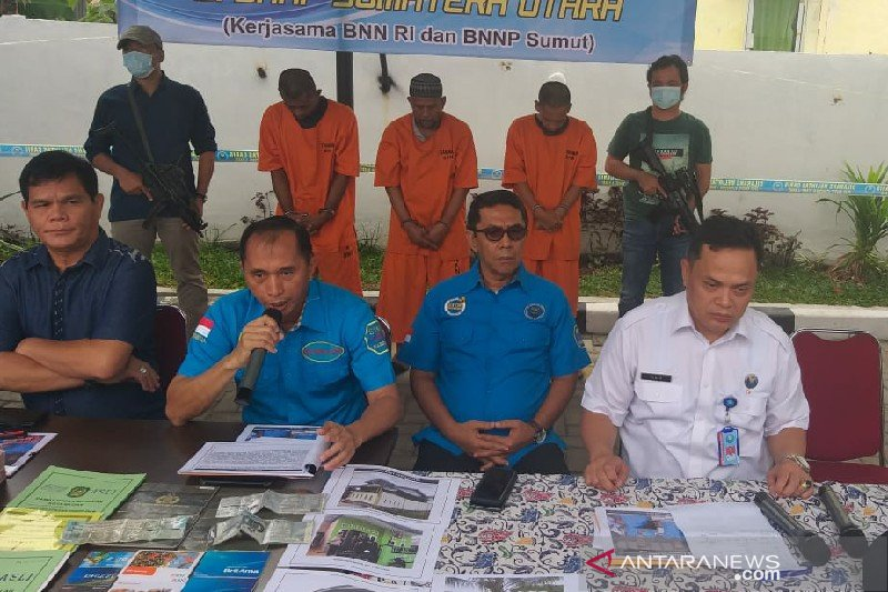 BNN amankan tiga tersangka pencucian uang narkoba