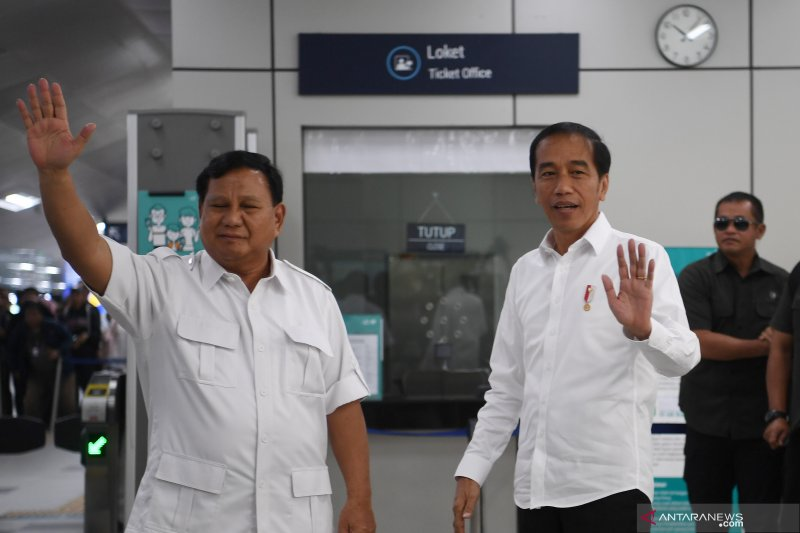 Presiden Joko Widodo bertemu dengan Ketua Umum Partai Gerindra Prabowo Subianto