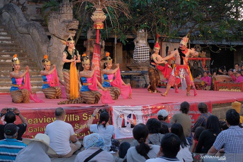 Kolaborasi seniman dalam Pesta Kesenian Bali