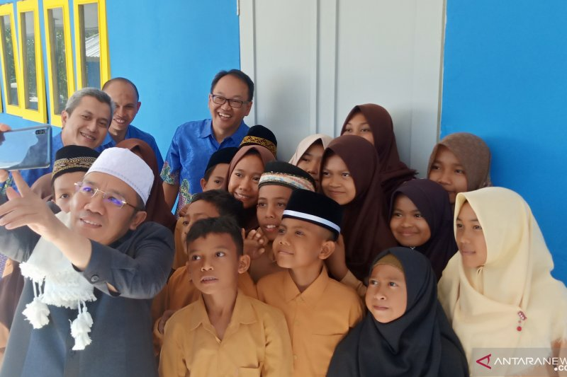 XL rampungkan pembangunan gedung sekolah di Lombok Utara
