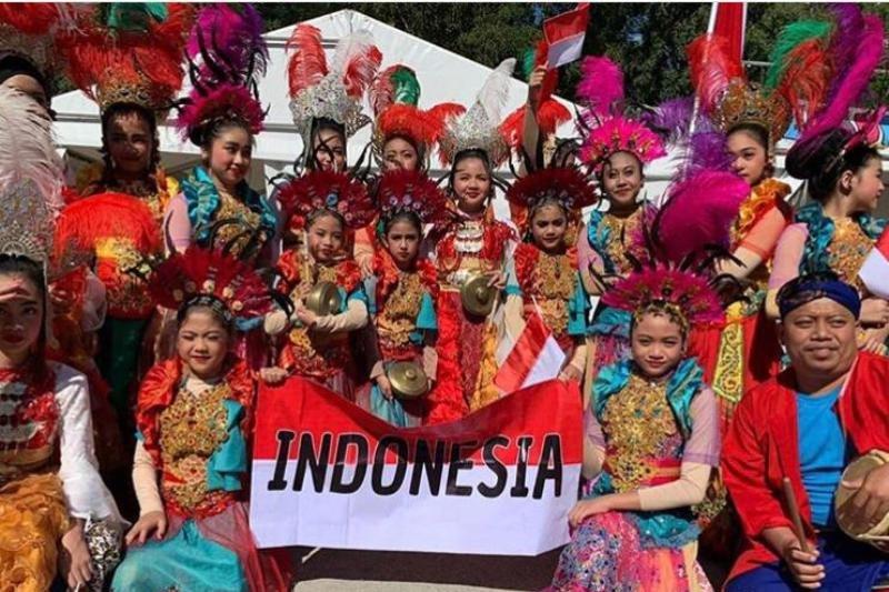 Tim tari pelajar Indonesia raih penghargaan di festival budaya Inggris-Georgia
