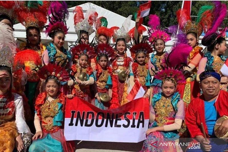 Tim tari pelajar Indonesia raih penghargaan di Inggris dan Georgia