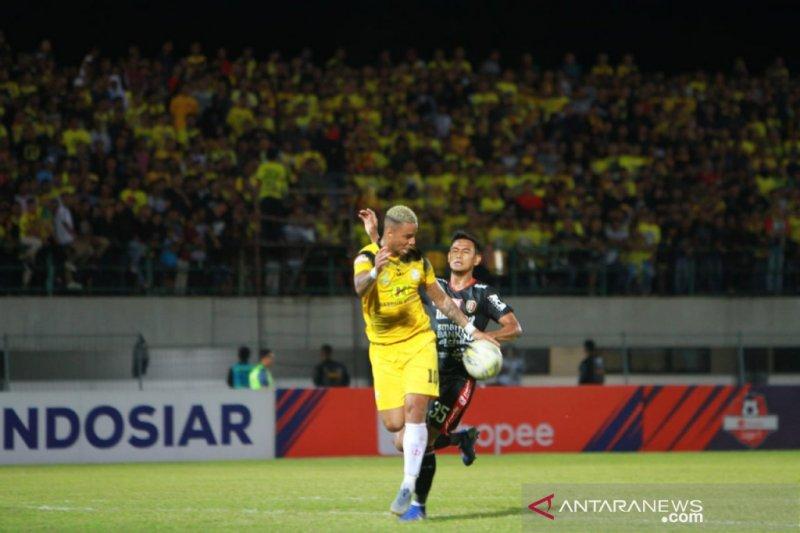 Barito gulingkan Bali United