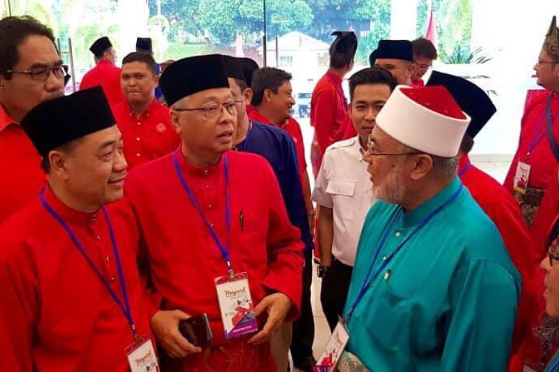 Wartawan Malaysia protes musyawarah UMNO hanya diliput media Melayu