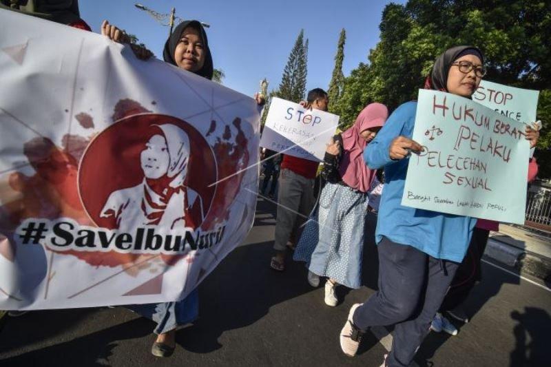 Aksi solidaritas untuk Baiq Nuril