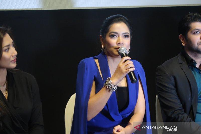 """Titi Kamal sering terbawa karakter sosok pengurus jenazah di film """"Makmum"""""""