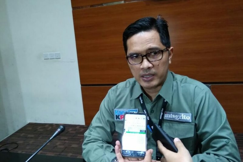 Adik M Nazaruddin tidak penuhi panggilan KPK