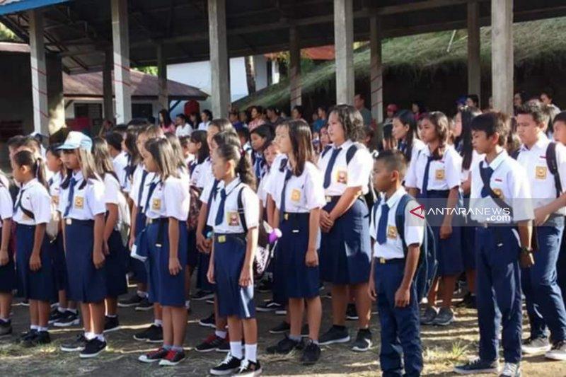Siswa Mitra tampil beda di tahun ajaran baru