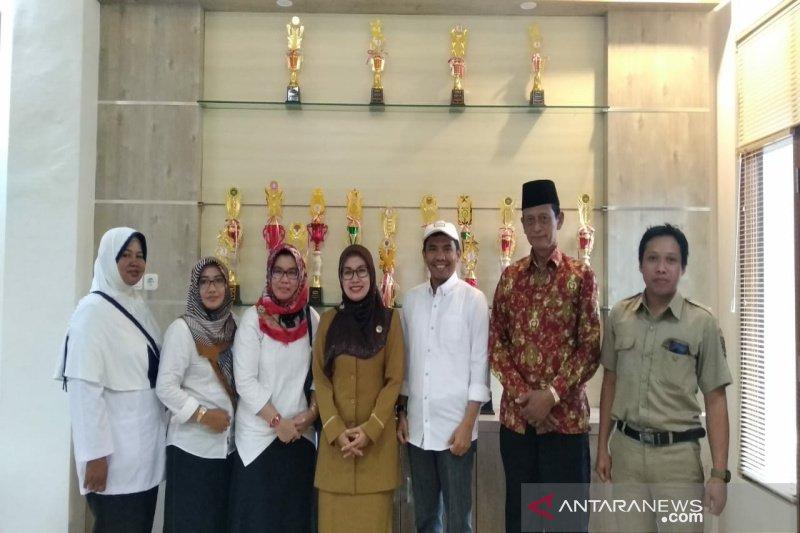 Alumni SMA Negeri 2 Wates berikan beasiswa 10 siswa kurang mampu