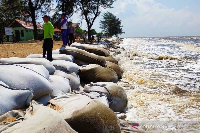Pemprov Kalteng bangun tanggul atasi abrasi Pantai Ujung Pandaran