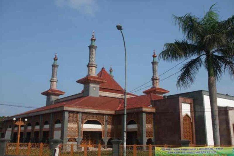 Kemenag Kota Cirebon bagikan alat kalibrasi arah kiblat