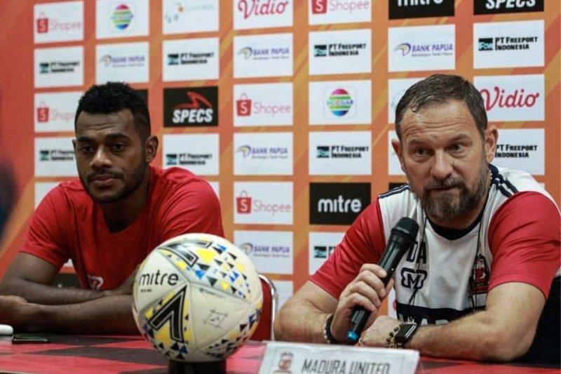 Dejan Antonic inginkan laga Madura United vs Persipura tersaji indah