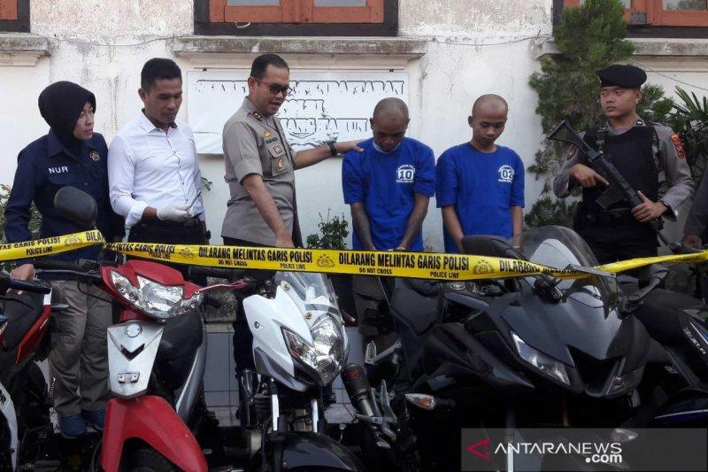 Pencuri motor berpura-pura jadi tukang parkir dibekuk polisi