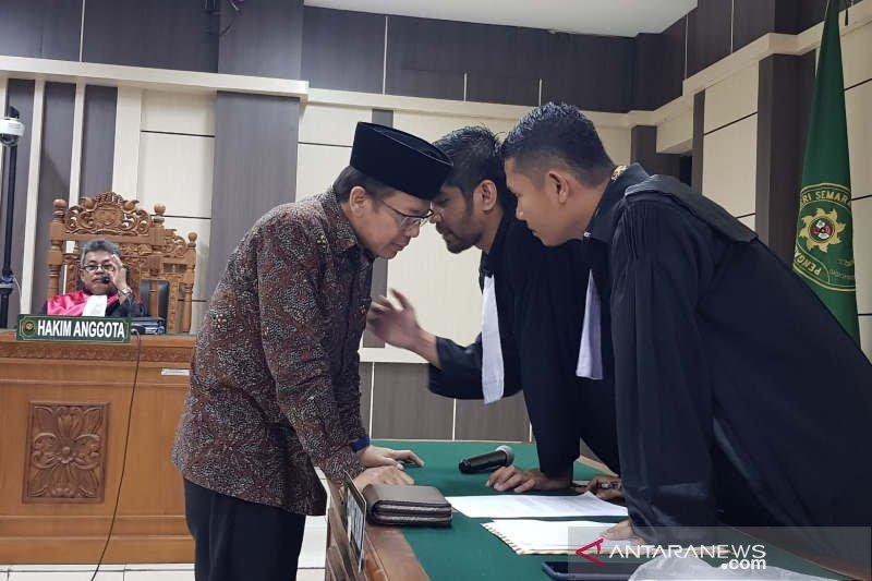 Wakil Ketua DPR  ini dicabut hak politiknya selama 3 tahun