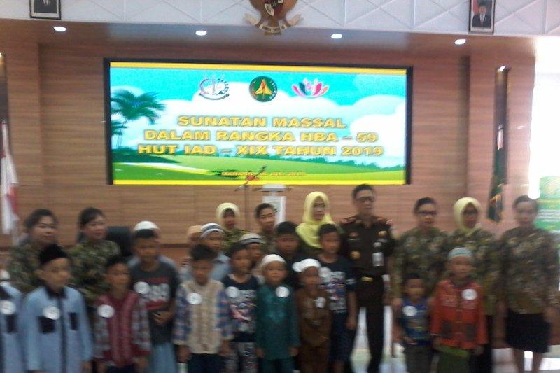 Puluhan anak ikuti sunatan massal digelar Kejati Sulawesi Utara
