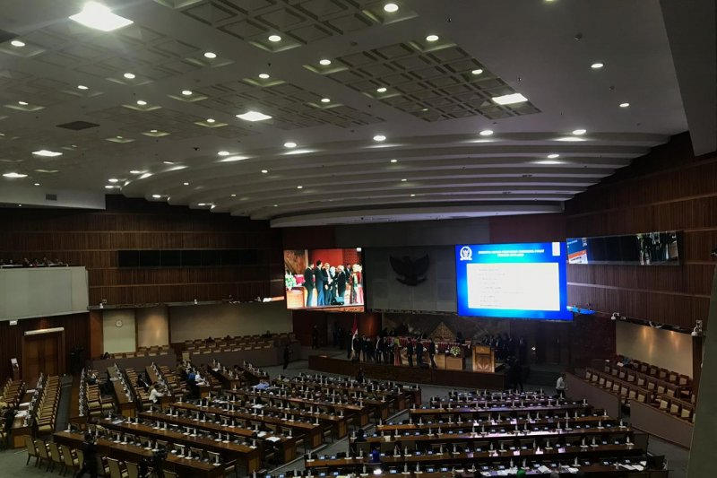 DPR setujui sembilan anggota KPI 2019-2022