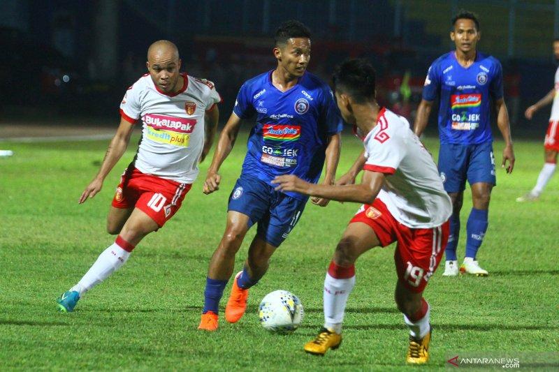 Klasemen sementara Liga 1 setelah Persija tumbang di kandang PS Tira Persikabo Tira