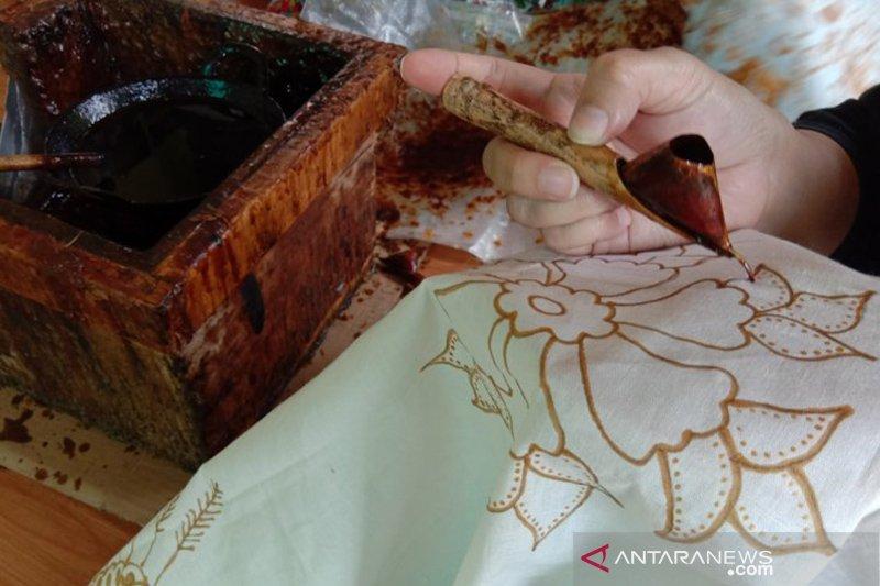 Menelisik kearifan lokal Batik Betawi Terogong