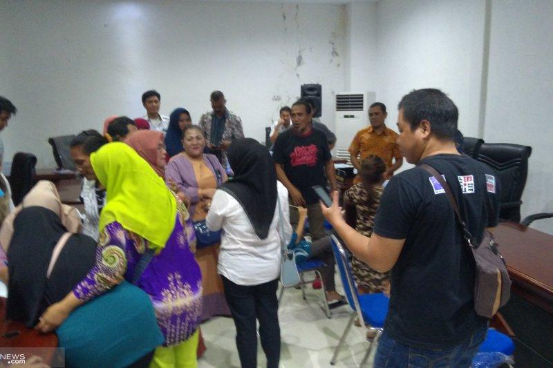 Pedagang pasar 45 bawa aspirasi ke DPRD Manado