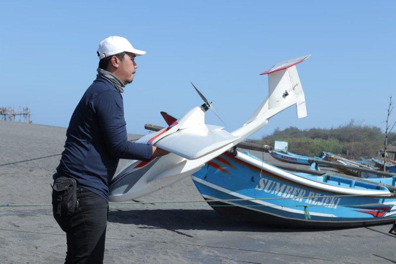 """UGM mengembangkan """"drone"""" amfibi untuk memantau kondisi gunung berapi"""