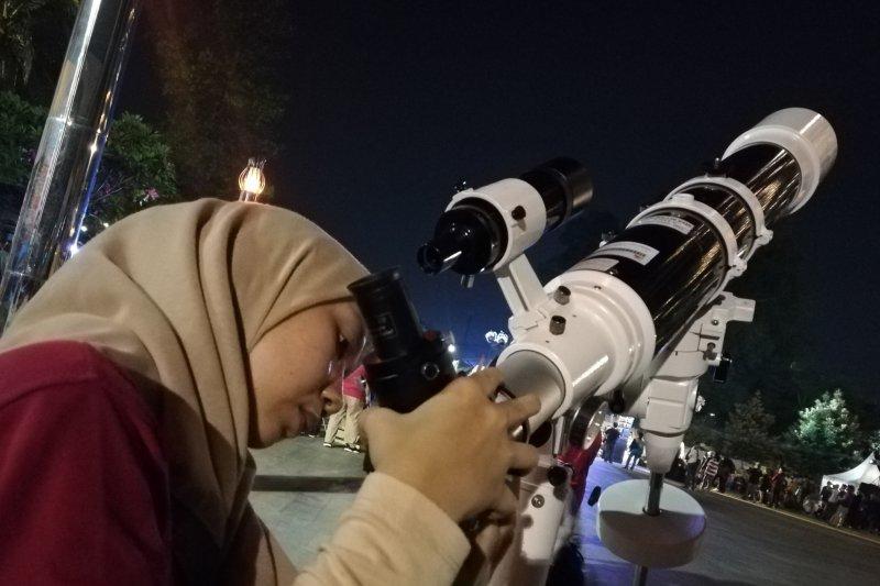 Planetarium Jakarta target 500 pengunjung tonton gerhana bulan