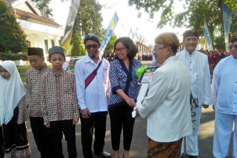 PMI Cianjur terima donasi satu ambulans dari pelanggan Indomaret
